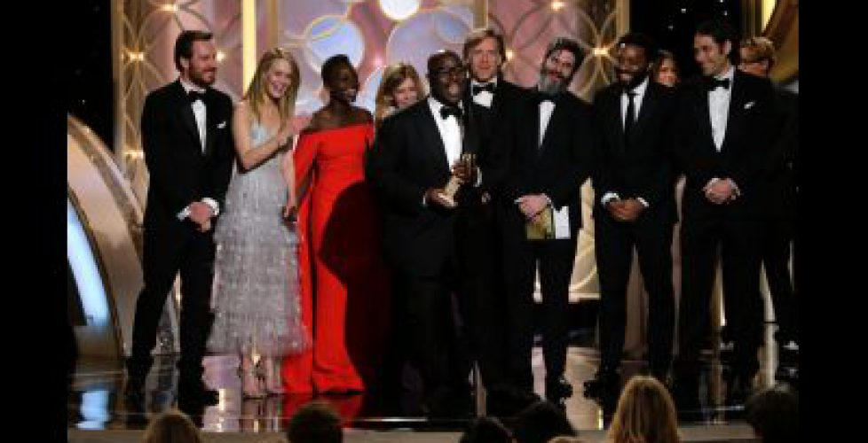 011214-celebs-12-years-a-slave-golden-globes-best-drama